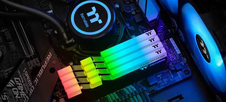Thermaltake представила комплекты Toughram RGB DDR4 3000-4400 (1)